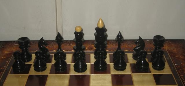 Шахматы деревянные и нарды. Художественная резьба по дереву