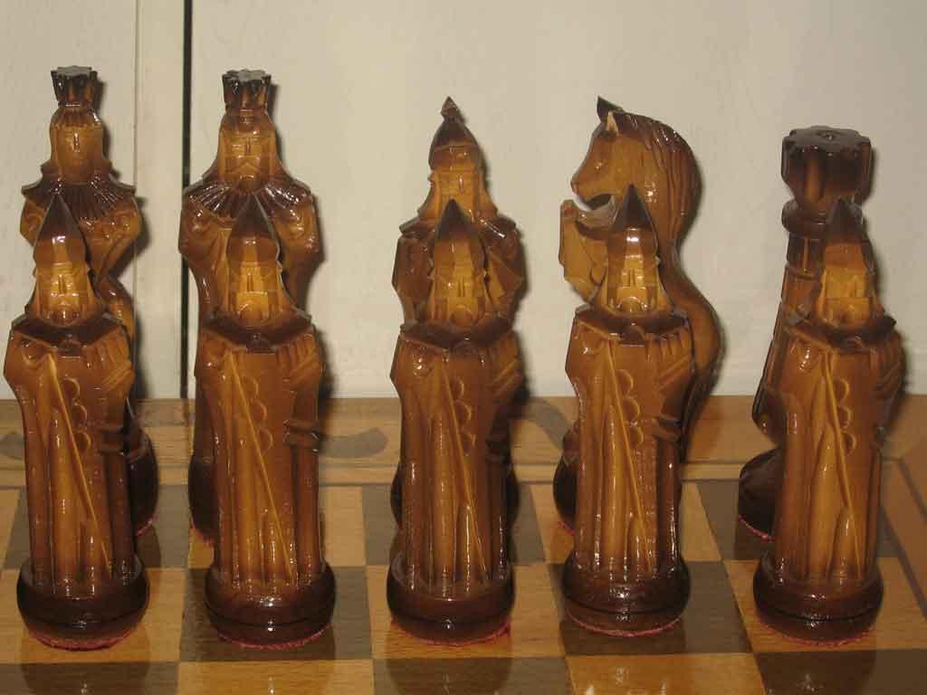 Большие подарочные деревянные шахматы