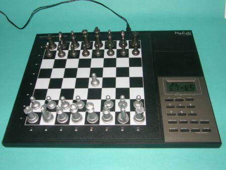 Master Chess Mephisto-Saitek (сильнейший шахматный компьютер)